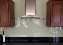 Kitchen splash-back (Clear glass)